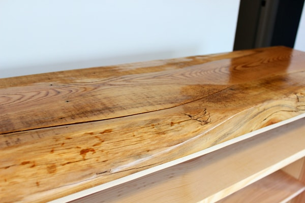 applying tung oil to wood