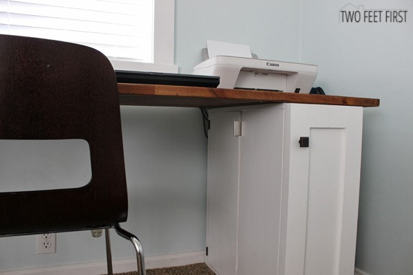 simple way to hide desk cords twofeetfirst. Black Bedroom Furniture Sets. Home Design Ideas