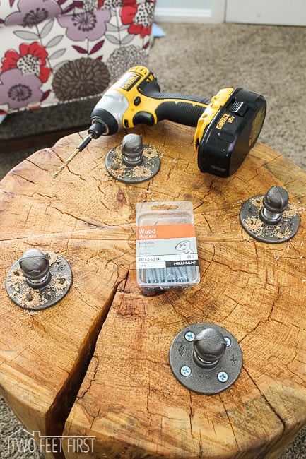 diy-stump-tables-3