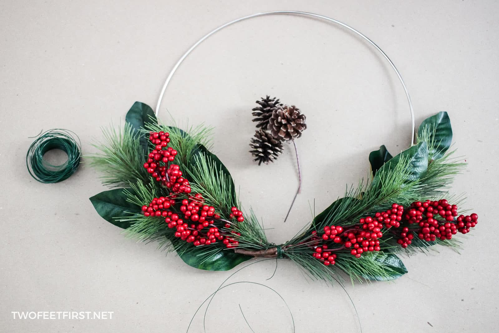 make a homemade holiday wreath