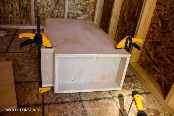 build cabinet bottom