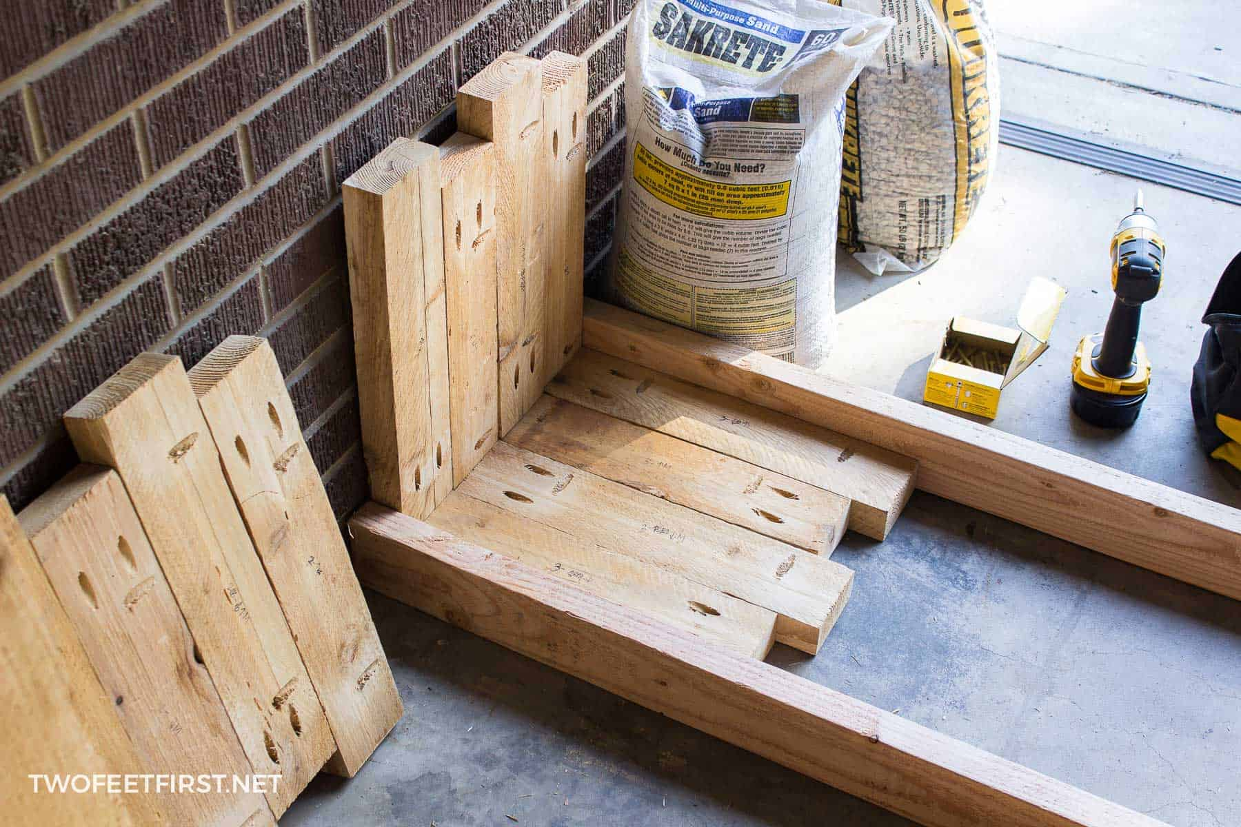 attaching side of planter box together