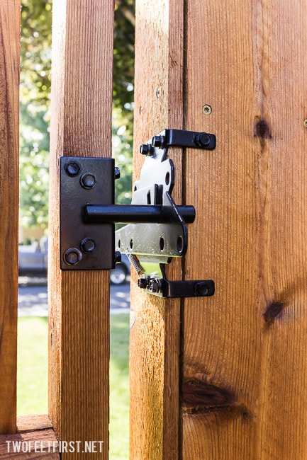 install-gate-hardware