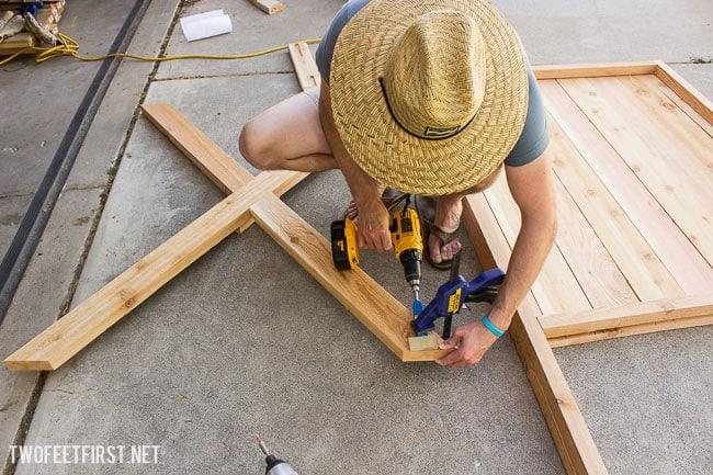 build cedar gate