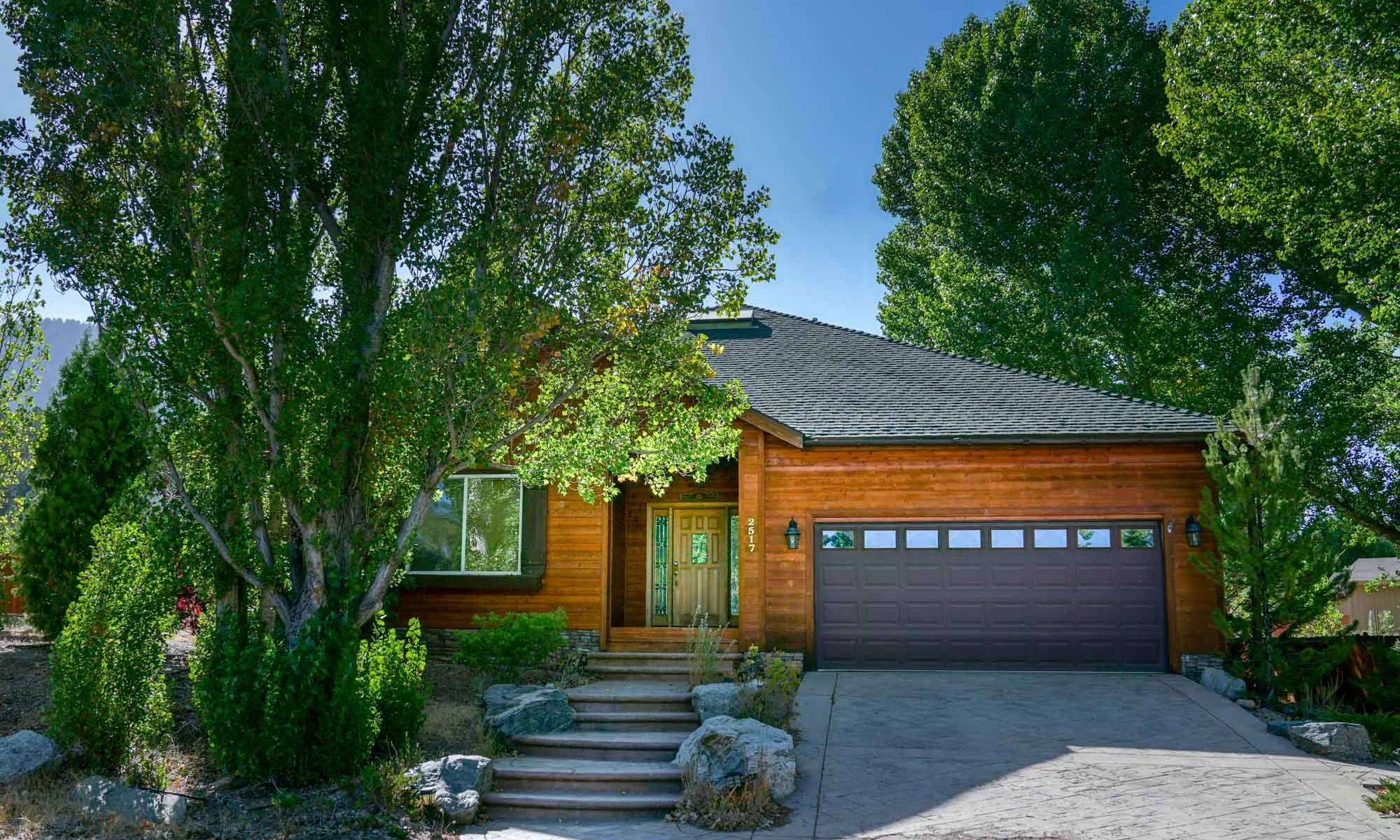 2018 Two Girls Mountain Vacation Rentals Freds Family Retreat-00673-2