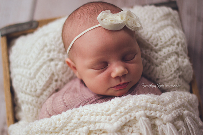 2016-01-arroyo-grande-newborn-photographer-infant-knit-white-wood-box-photos-baby-central-california