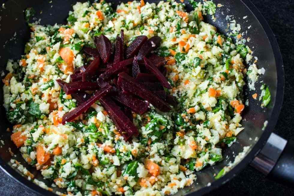 Cauliflower-Carrot 'Rice', Spinach and Beets - low carb healthy vegetarian side