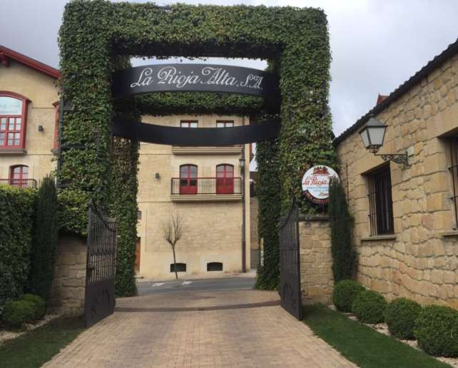 The entrance to La Rioja Alta tasting room.
