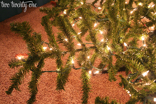 Best Way Put Lights Christmas Tree