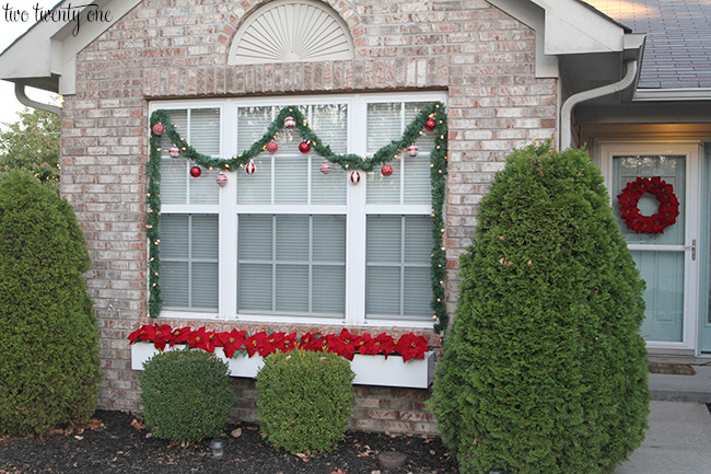 Outdoor Window Christmas Decorations