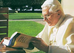 Pope Benedict reading the Bible