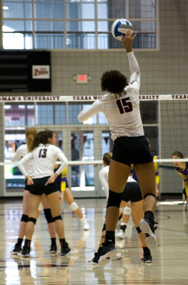 Volleyball_4+