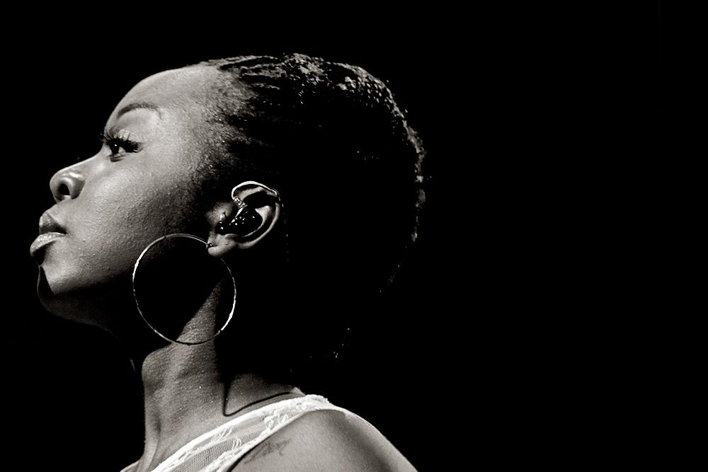 Una de las coristas de Lauryn Hill