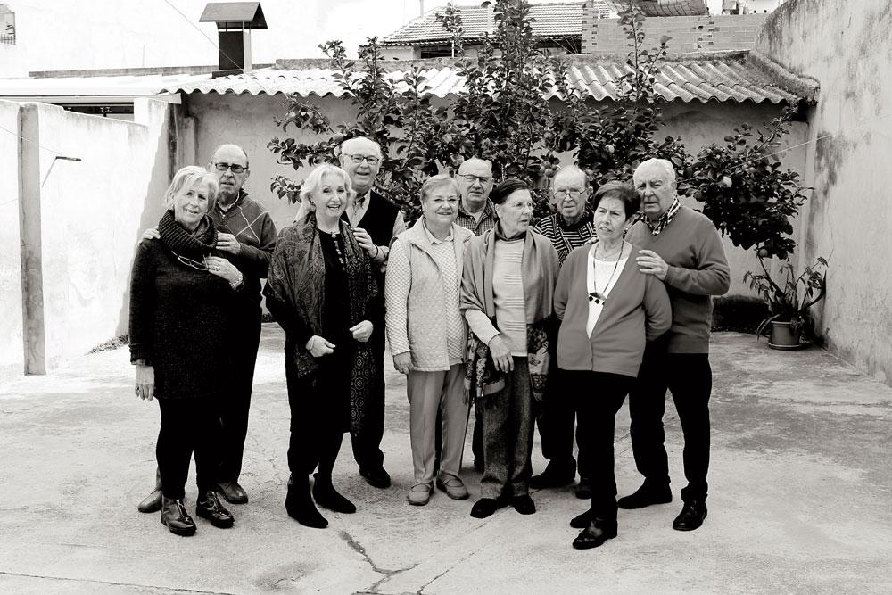 De izquierda a derecha: Tere, Vicente, María Eugenia, Antonio, Elvira, Vicente, Conchín, Miguel, Carmen y Antonio.