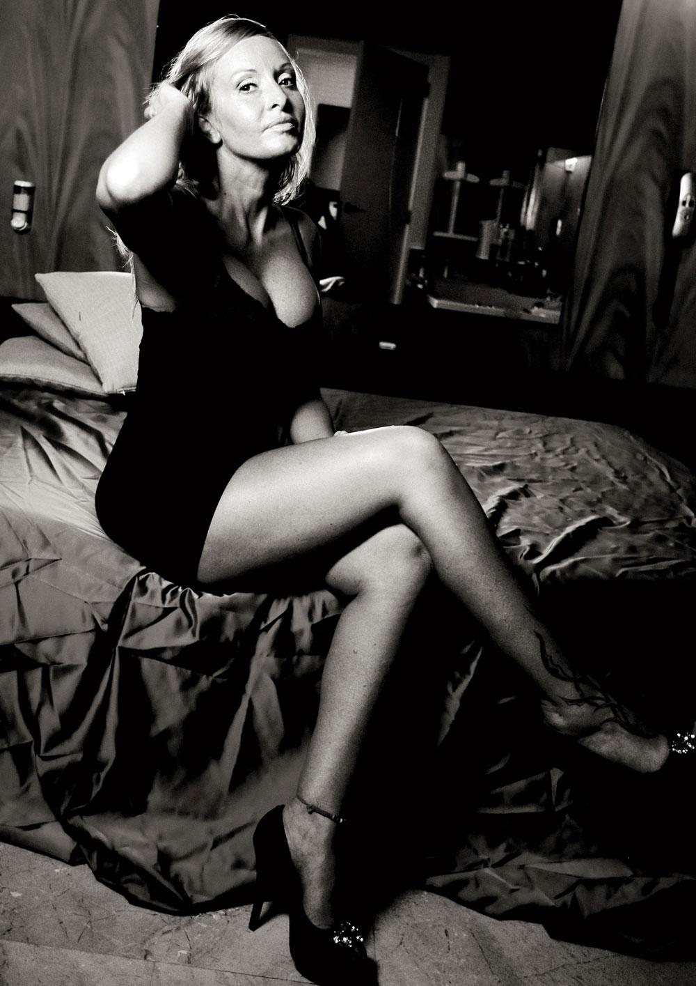 Sara, prostituta. En una habitación del burdel en el que trabaja. Julio de 2013.