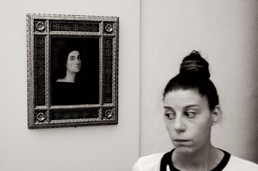 Cruce de caminos. Pobre Rafael, al final del recorrido de los Uffizi, casi nadie le hace caso.