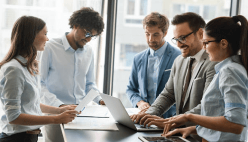 communication of boss and employee at the workplace