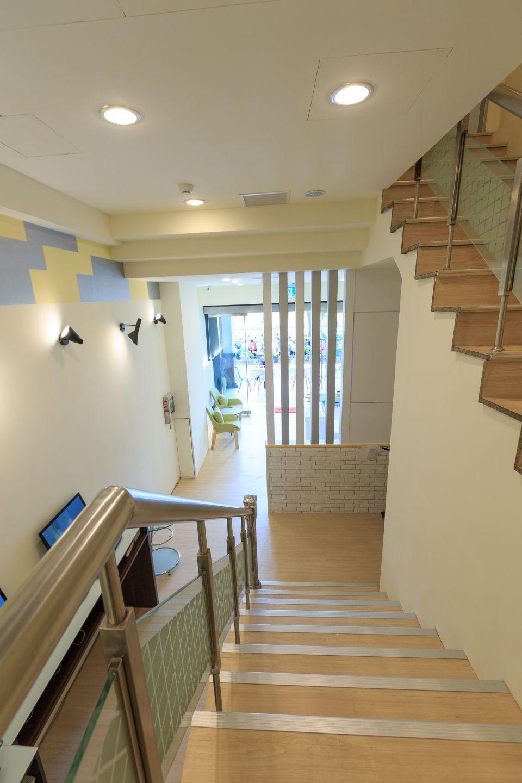 明亮房間走廊-高雄飯店 | 輕旅店商務旅館