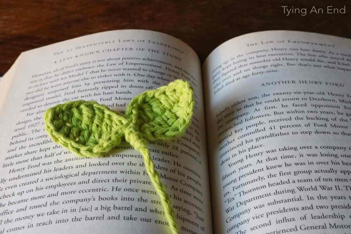 Budding Leaf Bookmark – Tying An End