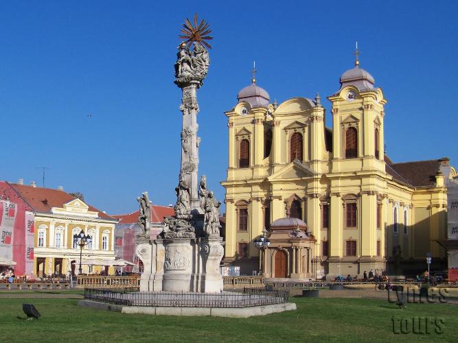"""domul romano-catolic şi """"statuia ciumei"""", piesele de rezistenţă ale barocului timişorean"""