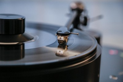 High-performance Turntable and Vinyl at CES 2016