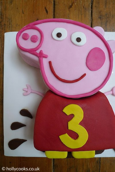 Holly_cooks_chocolate_madeira_peppa_pig_cake