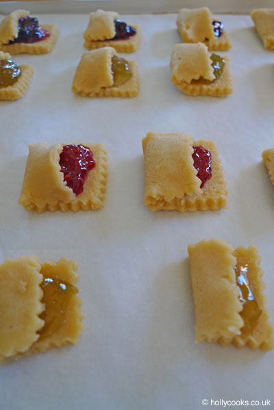Holly-cooks-grown-up-jam-tarts-ready-for-oven
