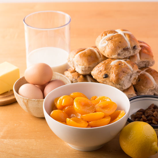 Holly-Cooks-Apricot-and-hot-cross-bun-bread-and-butter-pudding-ingredients550