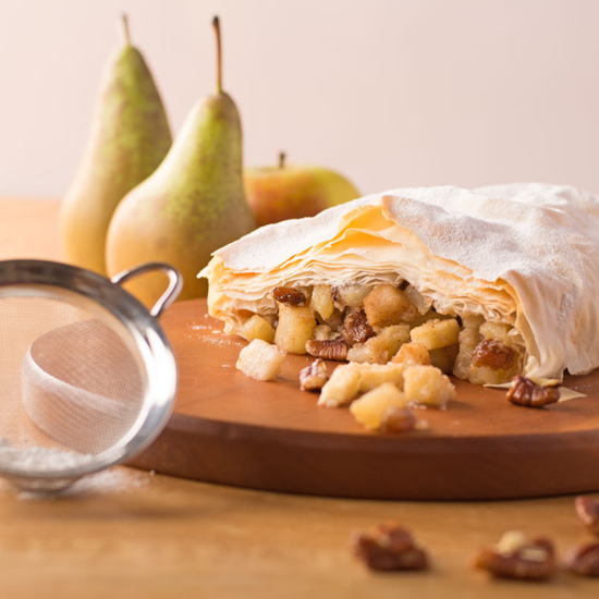 Holly-Cooks-Pear-and-pecan-strudel-strudel-with-sieve-and-icing-sugar550FG2