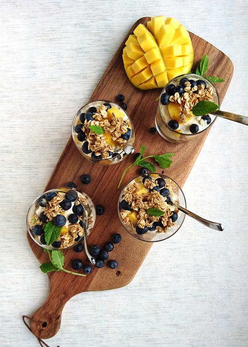 mango and blueberry cranachan