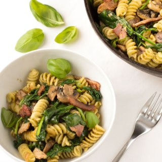 Bacon, spinach, mushroom and pesto pasta