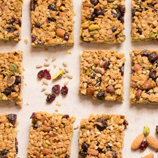 Can you freeze flapjack? How to make flapjack chewy or crunchy. Pistachio, almond and cranberry flapjack recipe