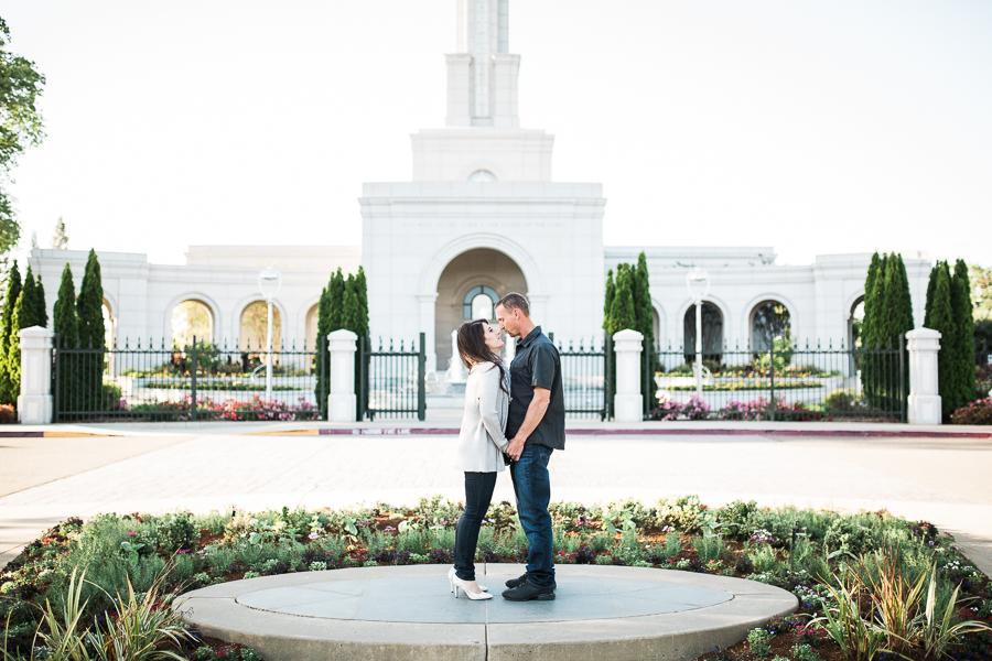 Sacramento_Temple_Engagement_Pictures-5