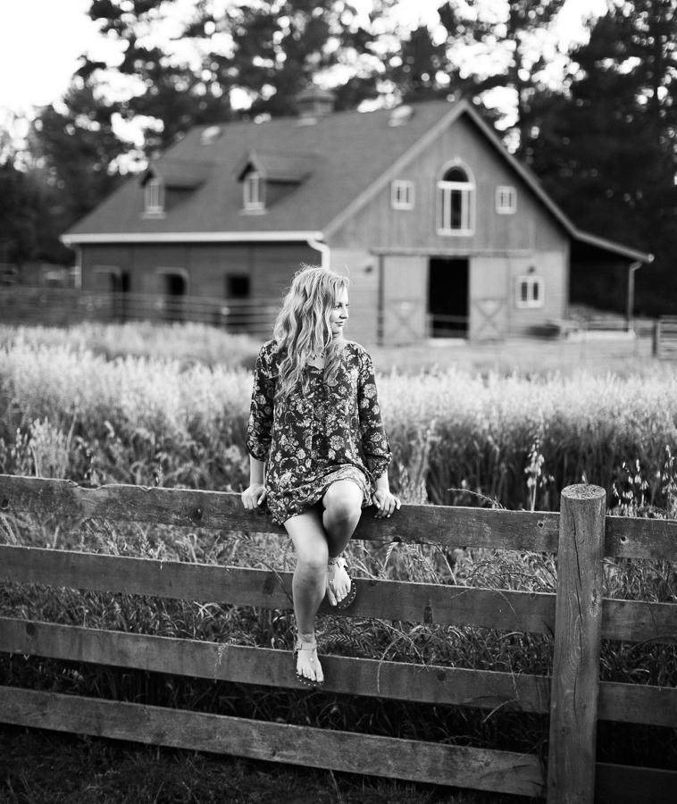 Senior_Portraits_Kaili_One_Room_School_House-22
