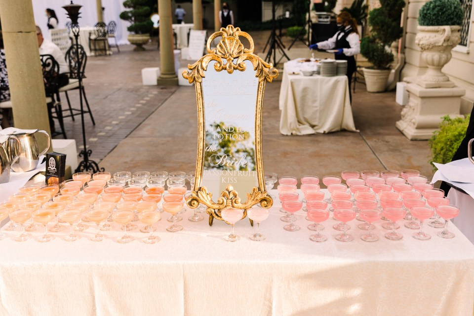 fairytale wedding cocktails at a Grand Island Mansion wedding