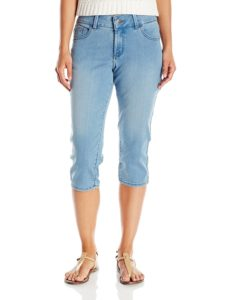 capri jeans with nude sandals