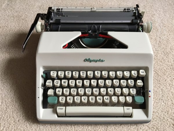 Typewriter Worth - Typewriters 101