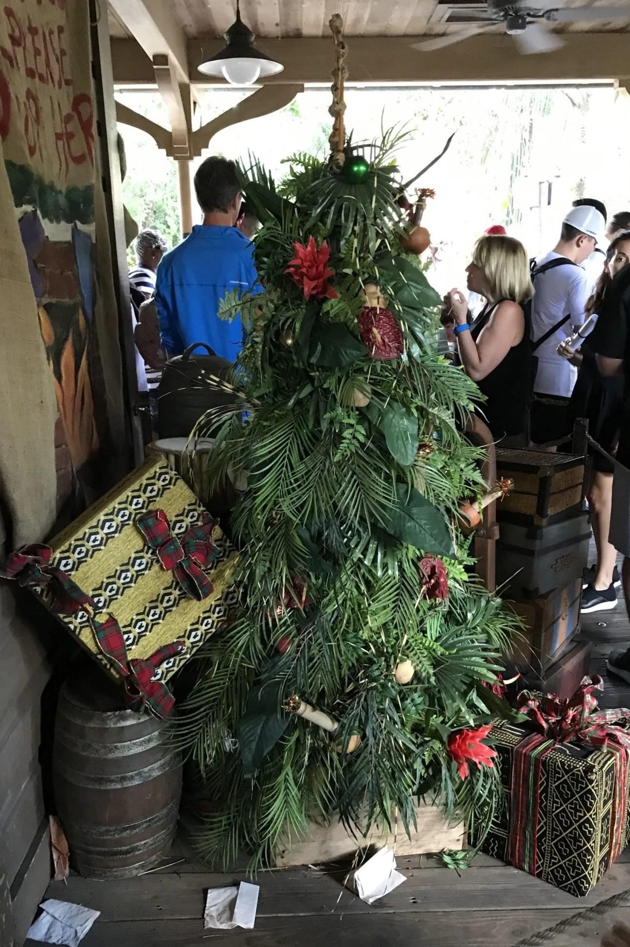 Jingle cruise Queue with christmas tree