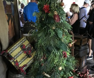 Jingle cruise Queue with christmas tree