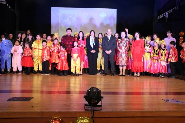 Group photo of the 2019 Spring Festival Gala Evening