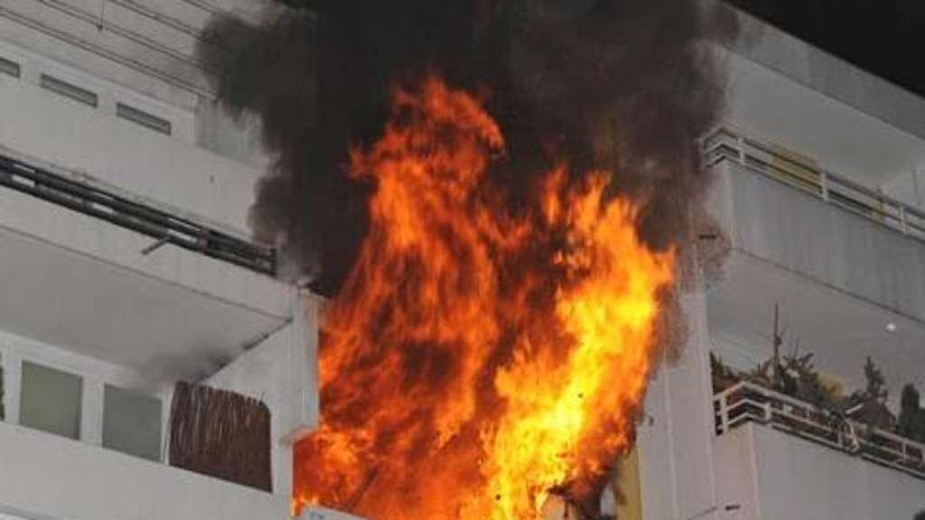Mann stirbt bei Wohnungsbrand  Stadt