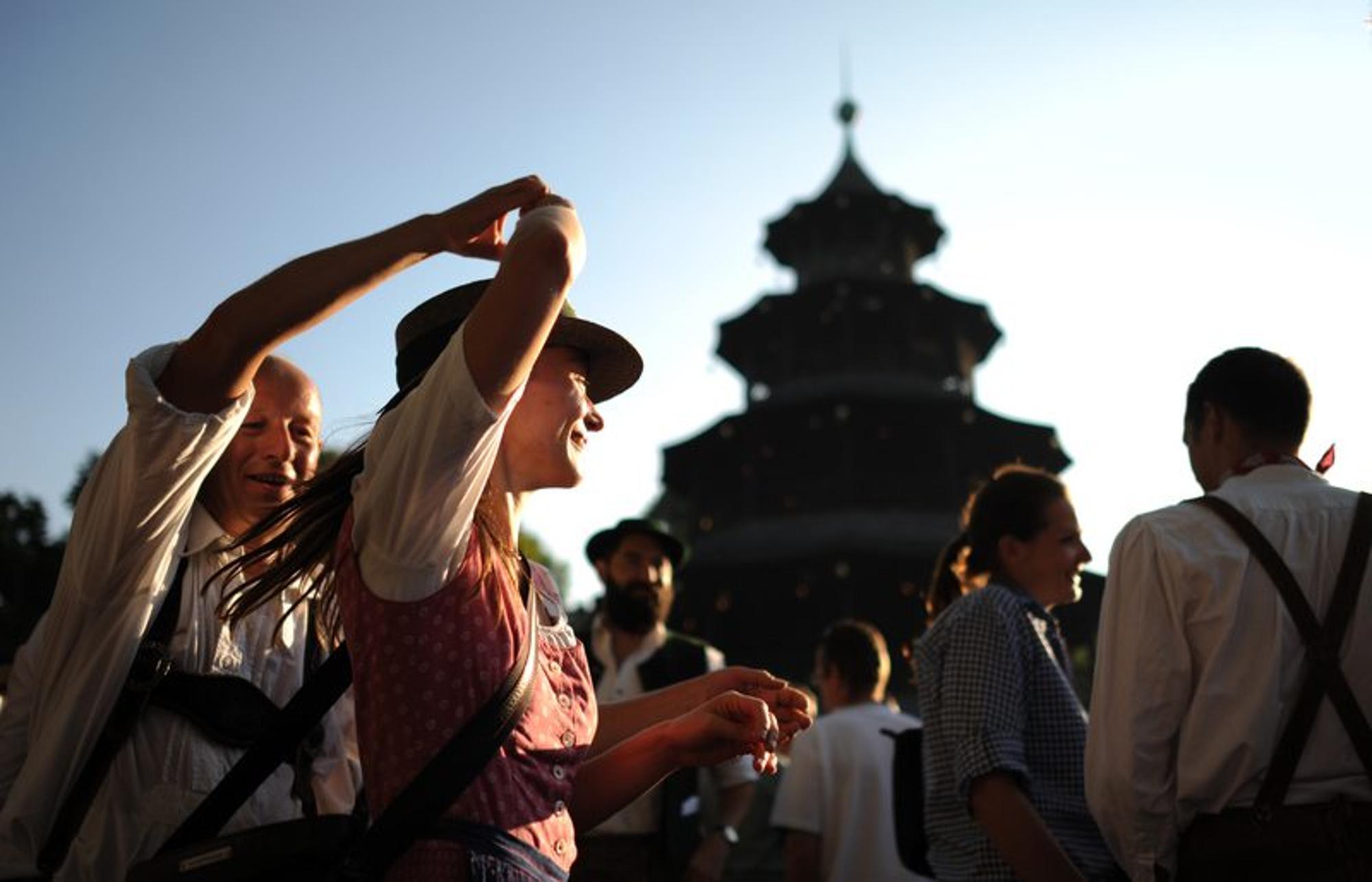 Resultado de imagen de kocherlball chinesischer turm