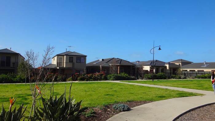 australian-suburb