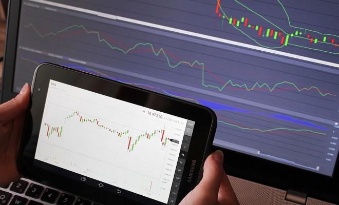 ماهي افضل منصة لتداول العملات والمعادن والأسهم ؟