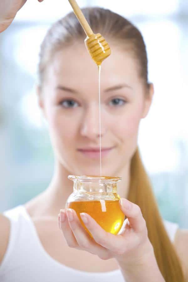 قناع العسل لتنظيف البشرة وإزالة الماكياج