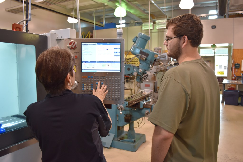 U of A Hope-Texarkana CNC Machine