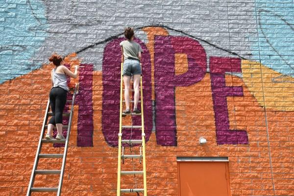 Art Bomb Brigade Brings Inspirational Mural Region Ua