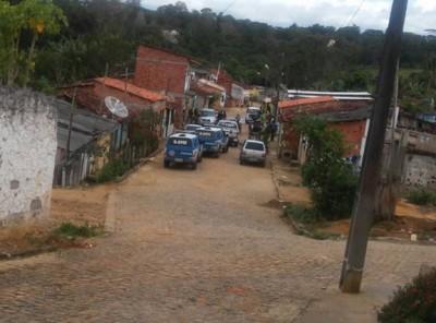 Polícia realizou operação em Ibirapitanga para prender assaltantes (Foto: Ubatã Notícias)