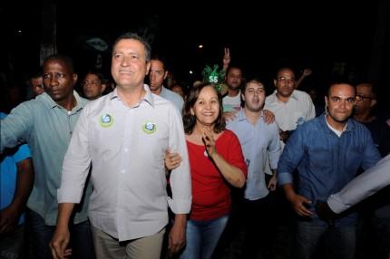 Rui realizou caminhada em Barra do Rocha (Foto: Valdir Santos/Ubatã Notícias)