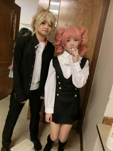 A pair of awesome cosplayers as Banri and Karuta from Inu x Boku SS!